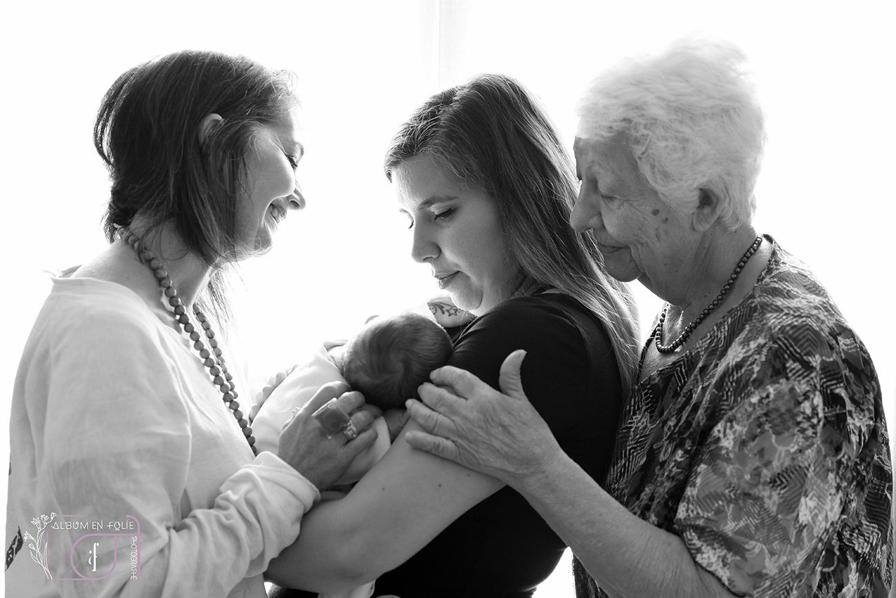 Photographe de naissance à domicile Irigny
