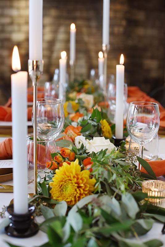 décoration table fleurs et bougie